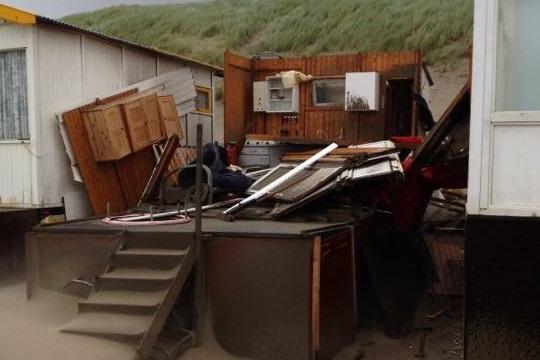 Stormschade strandhuisje